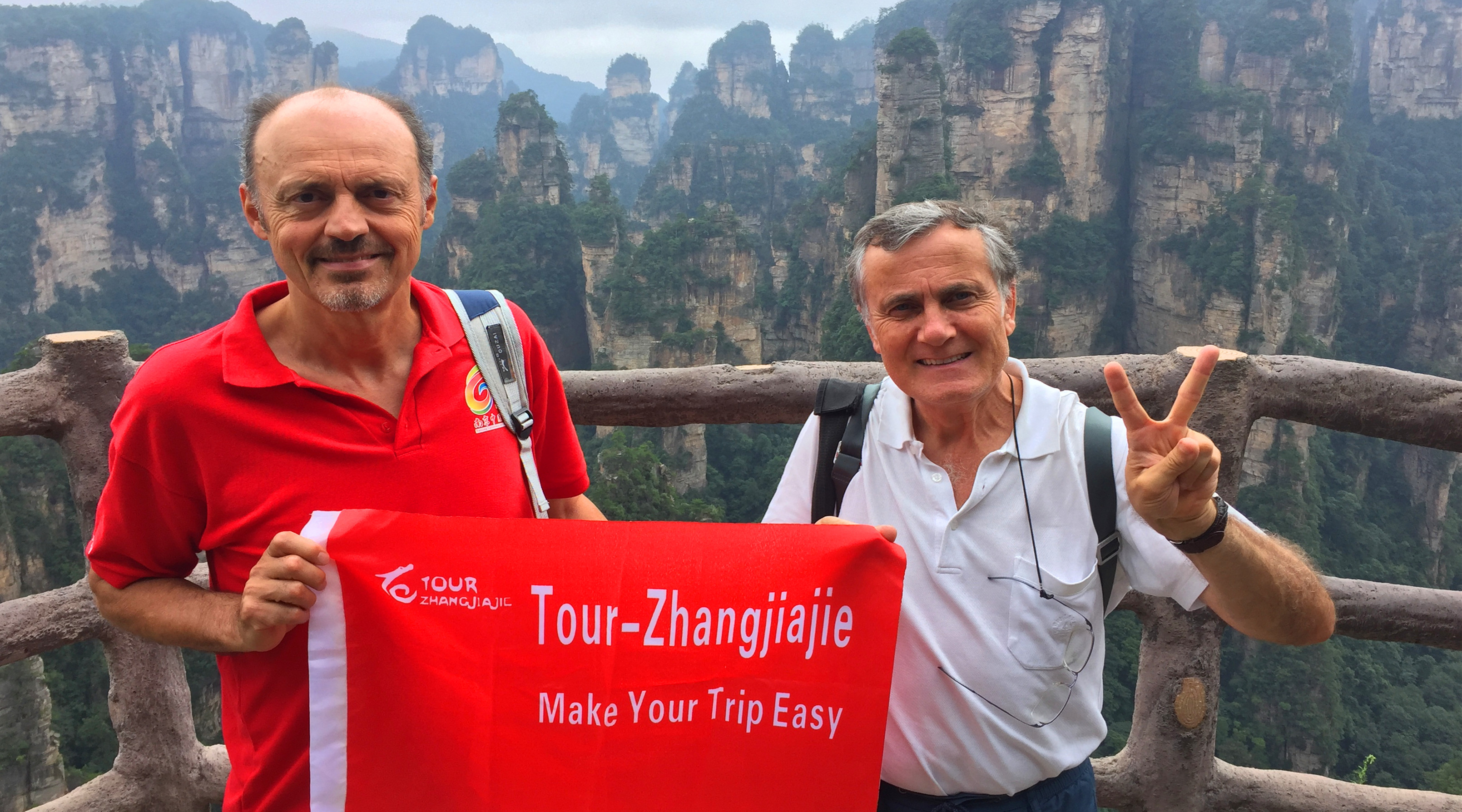 6 Days Classic Culture Budget Tour in Zhangjiajie & Fenghuang